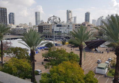 מצוינת להשקעה! במרכז תל אביב, נוף לכיכר רבין, דירת -3.5 חדרים ענקית