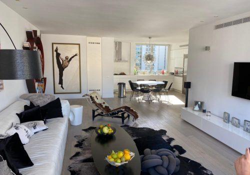 בצפון הישן, באזור שקט, ירוק ומואר! דירת -5 חדרים ענקיים עם חניה בטאבו!
